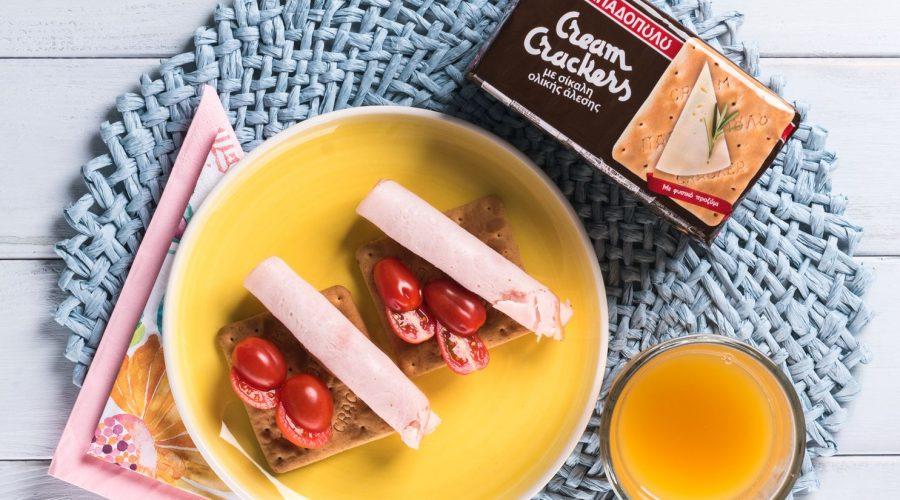 Top slider image for Ελαφρύ πρωινό με Cream Crackers Ολικής και καπνιστή γαλοπούλα