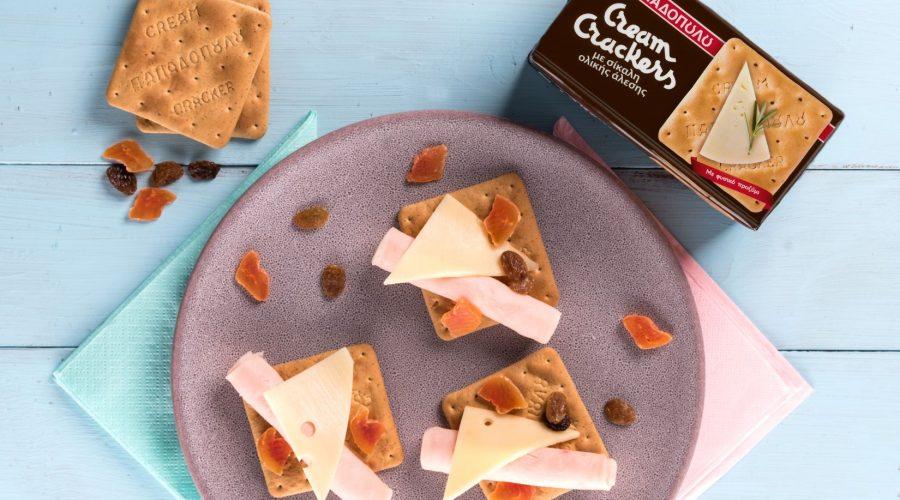 Top slider image for Βραδινό με Cream Crackers Ολικής, γαλοπούλα, τυρί και αποξηραμένα φρούτα
