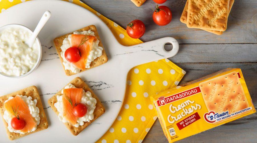 Top slider image for Cream Crackers με β-γλυκάνη, τυρί τύπου cottage, σολομό & ντοματίνια