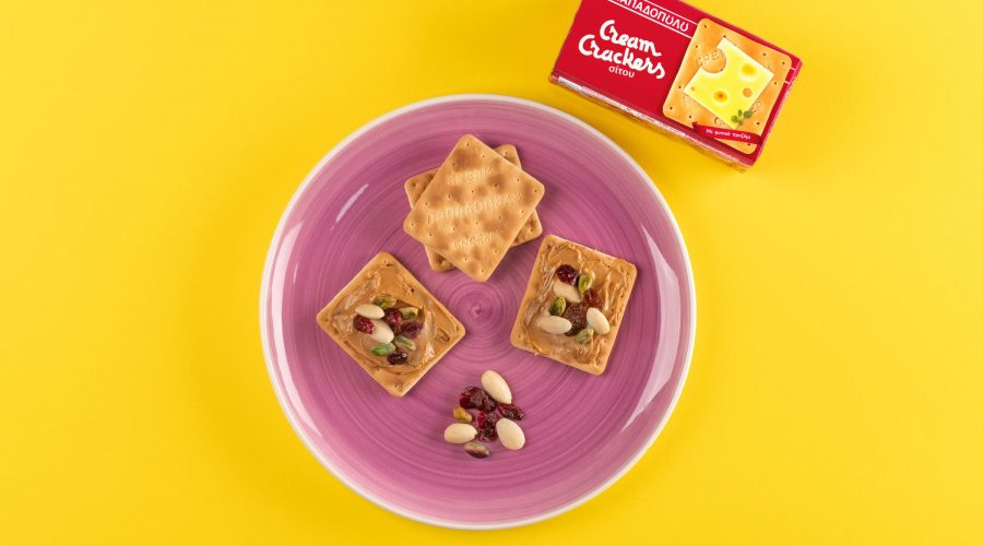 Top slider image for Πρωινό για ενέργεια με Cream Crackers, φιστικοβούτυρο και ξηρούς καρπούς