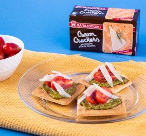 image for Cream Crackers με Σίκαλη Ολικής με ντοματίνια, παρμεζάνα και πέστο