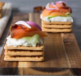 image for Ενδιάμεσο χορταστικό γεύμα με Cream Crackers Παπαδοπούλου