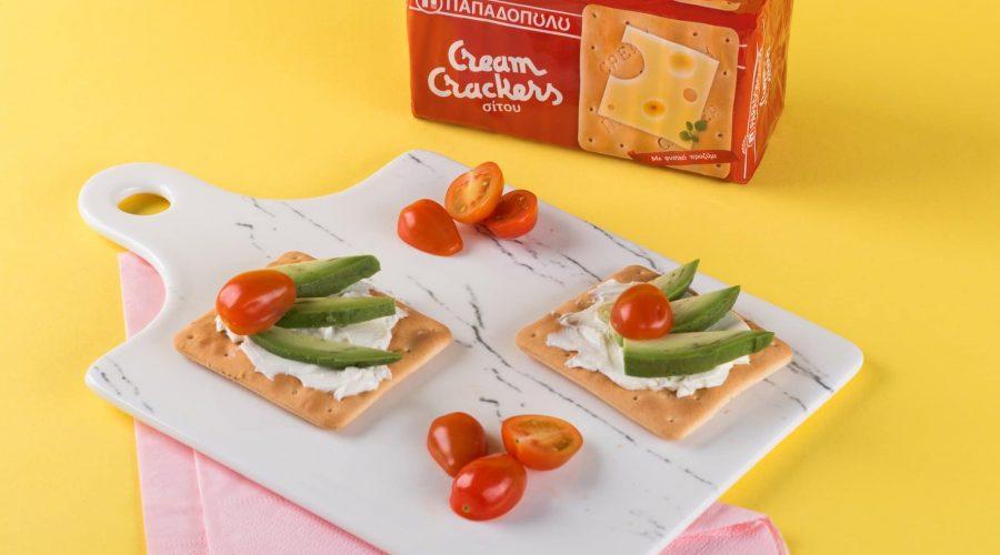 Top slider image for Ελαφρύ brunch με Cream Crackers Παπαδοπούλου, κρέμα τυριού και αβοκάντο