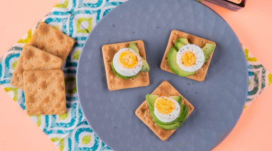 Top slider image for Cream Crackers με Σίκαλη Ολικής, βραστό αυγό, αβοκάντο και πιπέρι