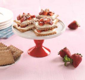 image for Δροσερά κεράσματα με Πτι Μπερ Παπαδοπούλου, κρέμα και φράουλα