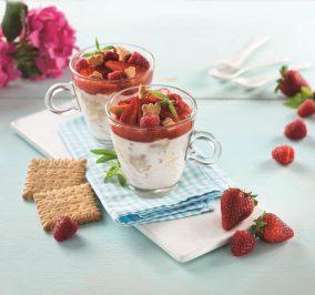 image for Πανακότα με σιρόπι φράουλας και Πτι Μπερ Παπαδοπούλου