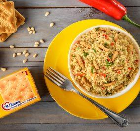 image for Σαλάτα με κινόα, πιπεριές Φλωρίνης και Cream Crackers με β-γλυκάνη