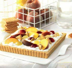 image for Τάρτα με κρέμα μασκαρπόνε, φρούτα εποχής και Πτι Μπερ Παπαδοπούλου