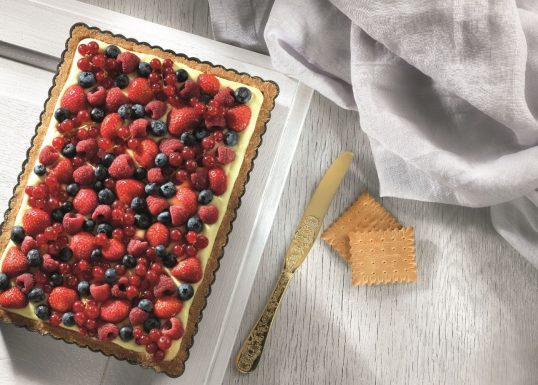 image for Τάρτα με φρούτα του δάσους με Πτι Μπερ Παπαδοπούλου