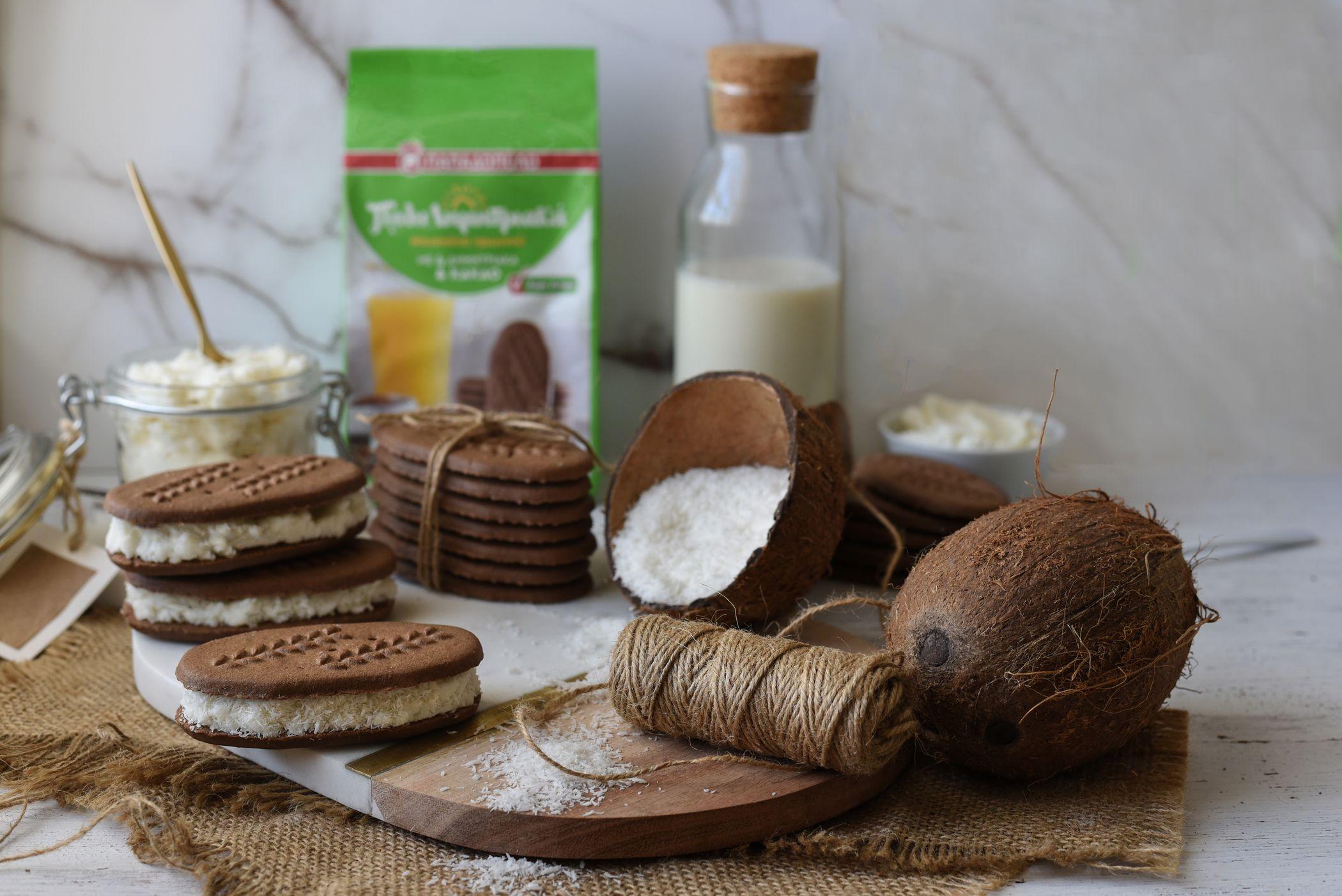 Image for Sandwich μπισκότου χωρίς ζάχαρη με ΠολυΔημητριακά και γέμιση κρέμα καρύδας