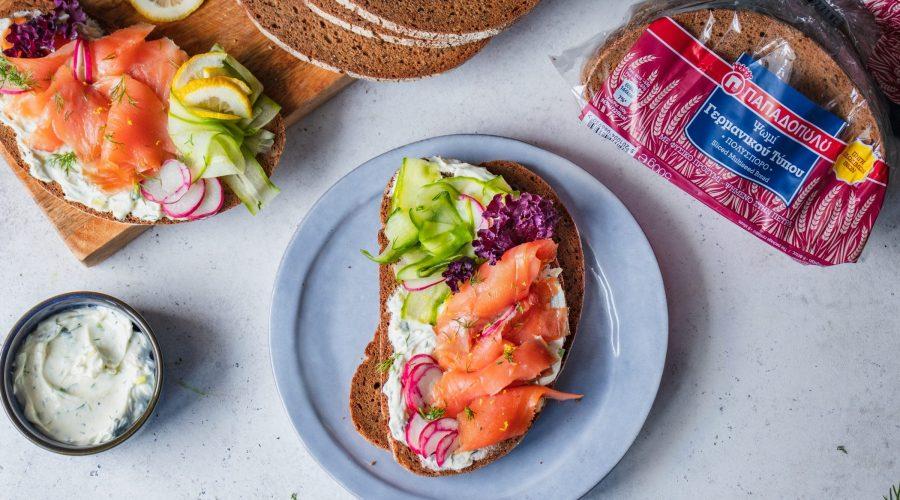 Top slider image for Open sandwich με καπνιστό σολομό, αγγούρι και τυρί κρέμα σε Ψωμί Γερμανικού τύπου