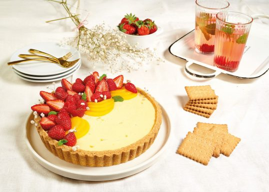 image for Τάρτα με ροδάκινα, κόκκινα φρούτα & Πτι Μπερ