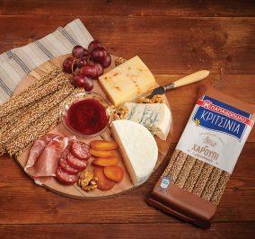 Banner for Πλατό τυριών και αλλαντικών Ελληνικής προέλευσης, με ΚΡΙΤΣΙΝΙΑ Παπαδοπούλου με χαρούπι