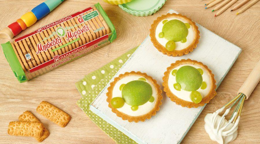Top slider image for Ατομικά ταρτάκια με μήλο-αχλάδι και μπισκότα Μιράντα