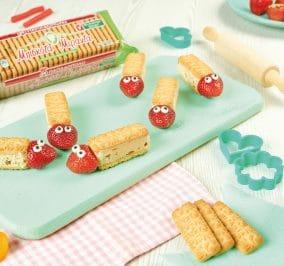 image for Μπάρες με μπισκότα Μιράντα και φράουλα